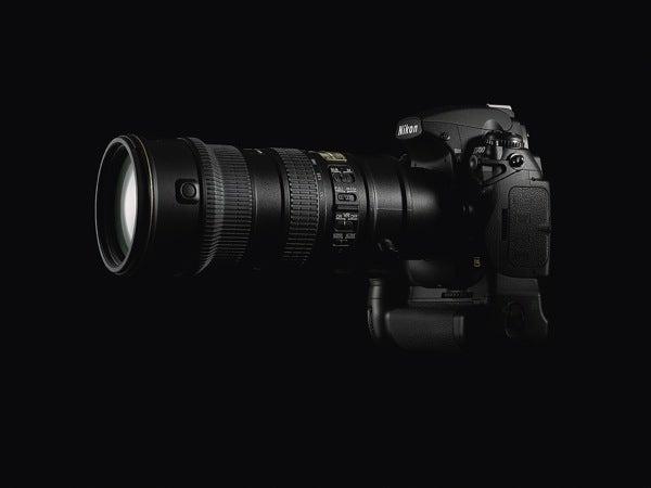 Nikon D700 DSLR Official: D3's Big Sensor In a Smaller Body for $2999
