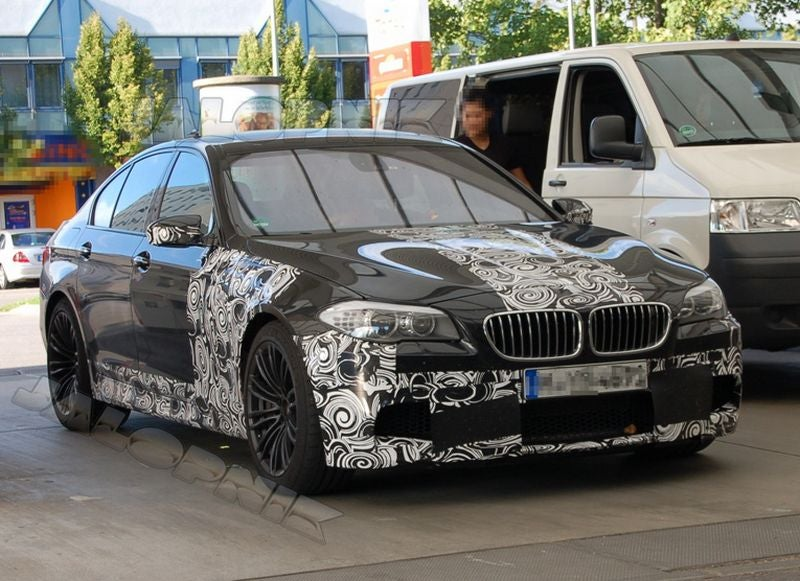 2011 BMW M5: First Look Inside