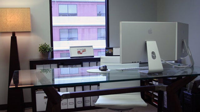 Silver Displays and Zero Clutter: Jason's Web Design Office