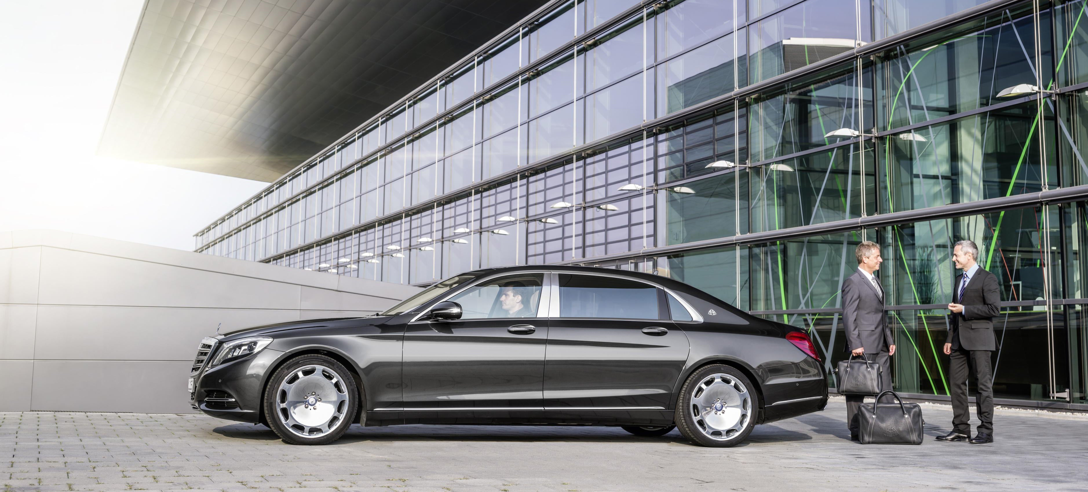 Maybach is back meet the 200 000 mercedes maybach s class for Mercedes benz s550 maybach