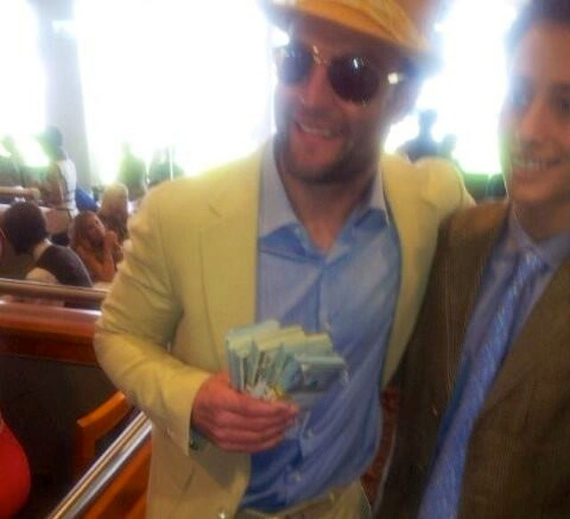 Wes Welker Was Passing Out $100 Bills At The Kentucky Derby