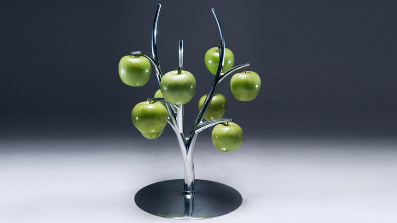 Sleek Eva Fruit Hanger Is Pun in the Kitchen