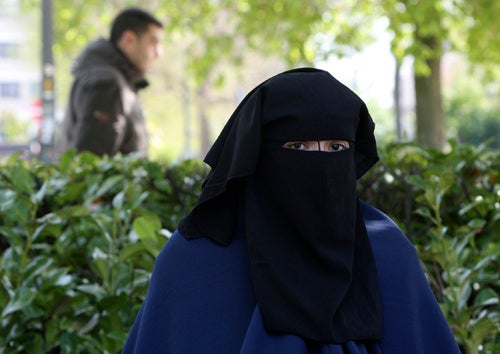 French Senate Approves Burqa Ban