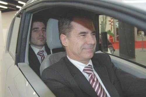 Post Geneva Shocker: Lumeneo Smera Is A Two Seater!