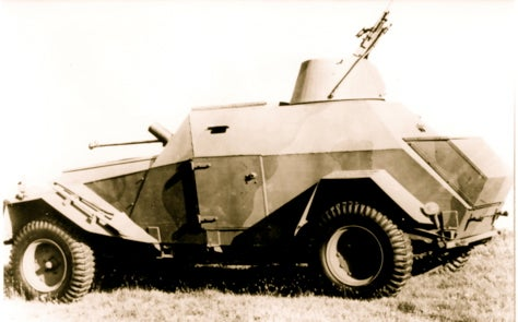 Humber Humber! It's The Lolita Reconnaissance Car!