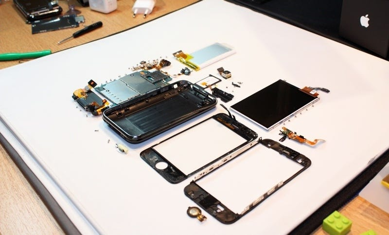 iPhone 3GS Torn Down, Reveals an ARM CortexA8 CPU That Can Go Bigger, Faster (Same As the Pre)