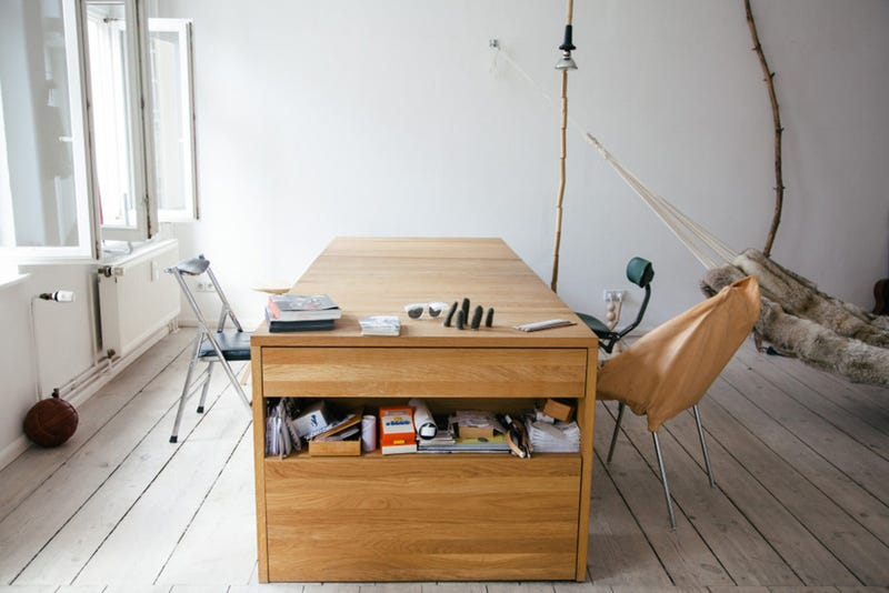 Screw Your Murphy Bed, This One Flips Over Into a Desk