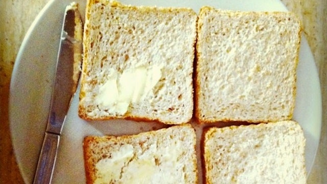 Mix Butter and Dry Mustard Into a Spread to Keep Bread from Getting Soggy