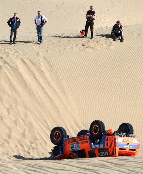 Robby Gordon Rolls In Dakar, Takes This Epic Picture