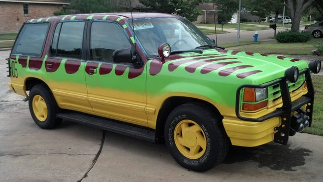 How To Build A Painstakingly Perfect Jurassic Park Ford