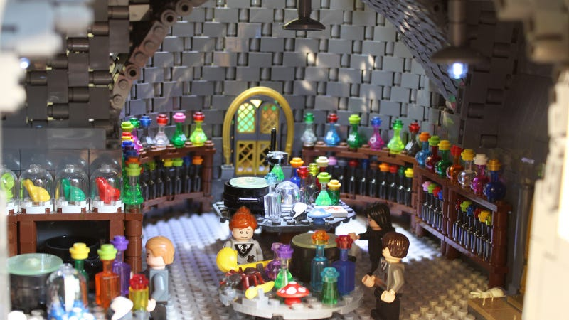 This insane 400,000-piece Lego Hogwarts School is larger than Harry Potter himself