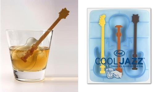 Cool Jazz Trio of Hot Guitars Keeps Your Drinks Ice Cold