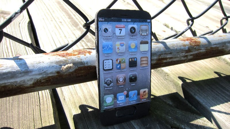 "iPhone 5 Early ""Review"" Gallery"