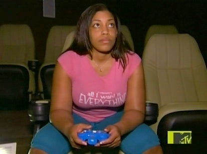 """True Life: I'm Addicted to Video Games """"Takes The Tampon Out"""""""