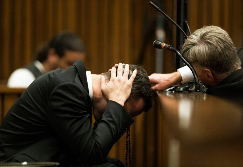 Oscar Pistorius Breaks Down In Court