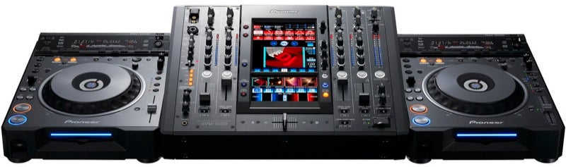 DJ Mixes Audio and Video to Awesome Effect On New Pioneer SVM-1000