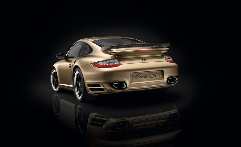 Porsche marks ten years in China with golden 911 Turbo S
