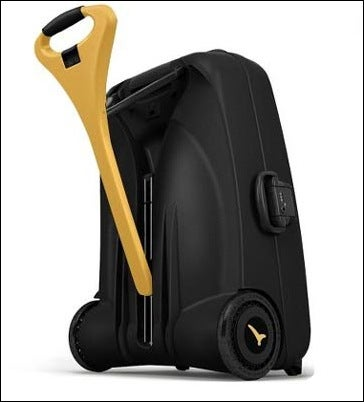 My Weak Muscles Need This Self-Pulling Suitcase