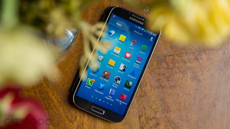 Bloomberg: Samsung Galaxy S5 Due April, Maybe With Eye-Scan Security