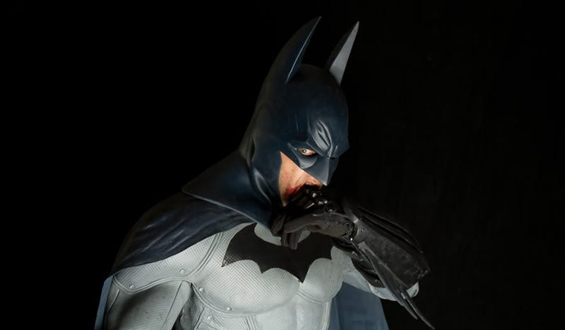 Amazing Real-Life Reproduction of Arkham City's Batsuit