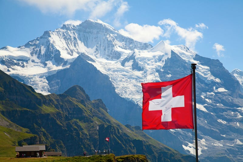 Swiss to Vote on Guaranteed $2800 Monthly Income for All Adults