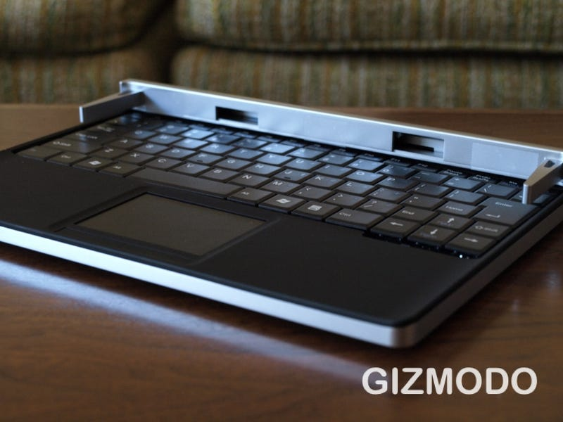 First Hands On: Touch Book Is Part-Netbook, Part-Tablet