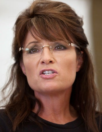 "Mama Grizzly Sarah Palin ""Hates Violence"""