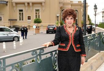 Gina Lollobrigida Looks Dahhhlink