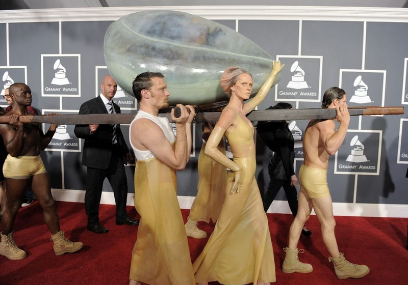 Lady Gaga Slips Into The Grammy Awards Totally Undetected