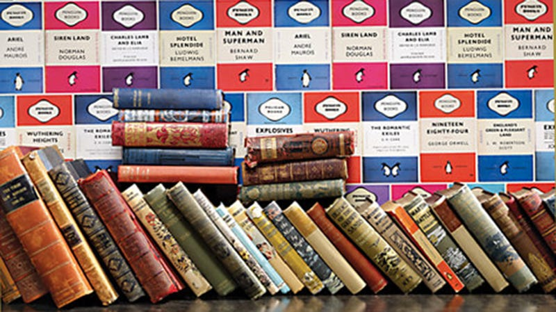 This Penguin Classics Wallpaper Is Perfect for Book Worms