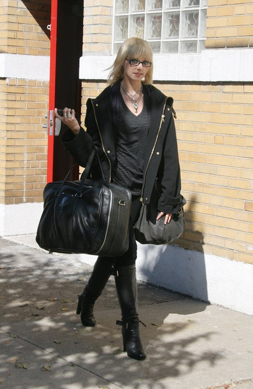 Taylor Momsen Is A Shady Character With A Lot Of Baggage