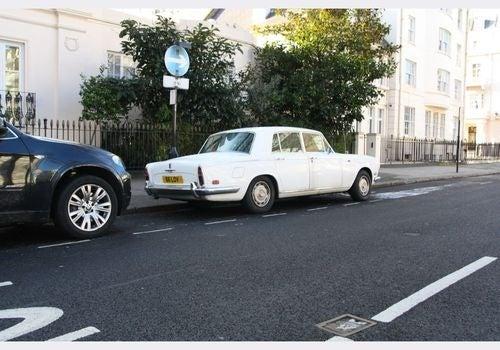 1972 Rolls-Royce Silver Shadow Down On The Edinburgh Street