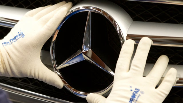 Mercedes Plans A Baby G-Wagon, BMW Will Cut You A Lease Deal, And Ex-GM CEO Dishes Dirt