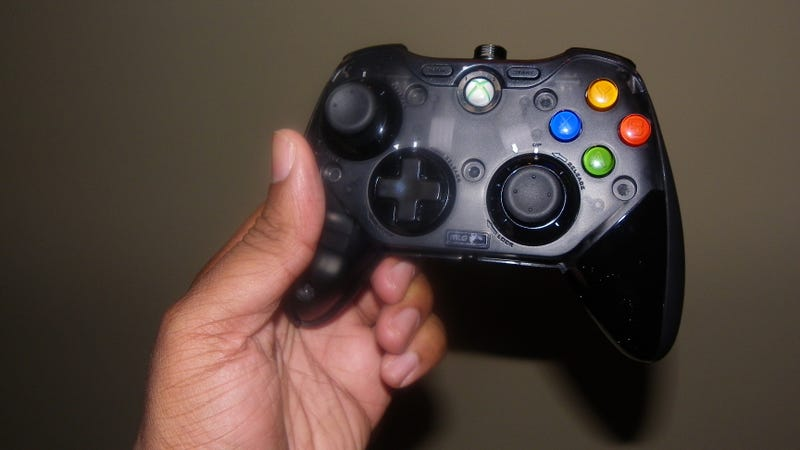 Major League Gaming and Mad Catz Team Up for An Xbox 360 Controller With Some Pros and Some Cons