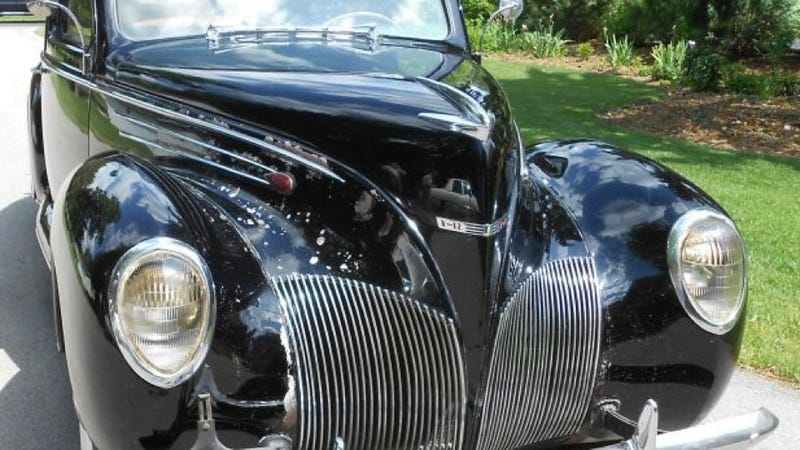 This 1939 Lincoln Zephyr Is The Ultimate Lincoln Barn Find