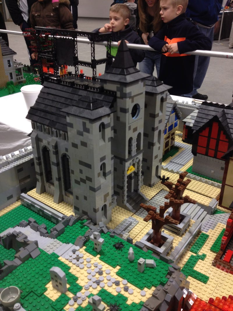 LEGO of My Wallet: A Trip to Brick World 2014
