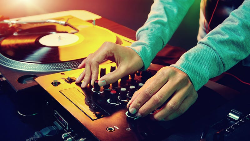 Wisconsin Woman Assaults DJ Because She Doesn't Like His Song Choices