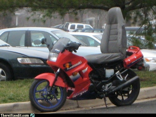 DIY Motorcycle Seat Grants Great Posture at the Expense of Dignity