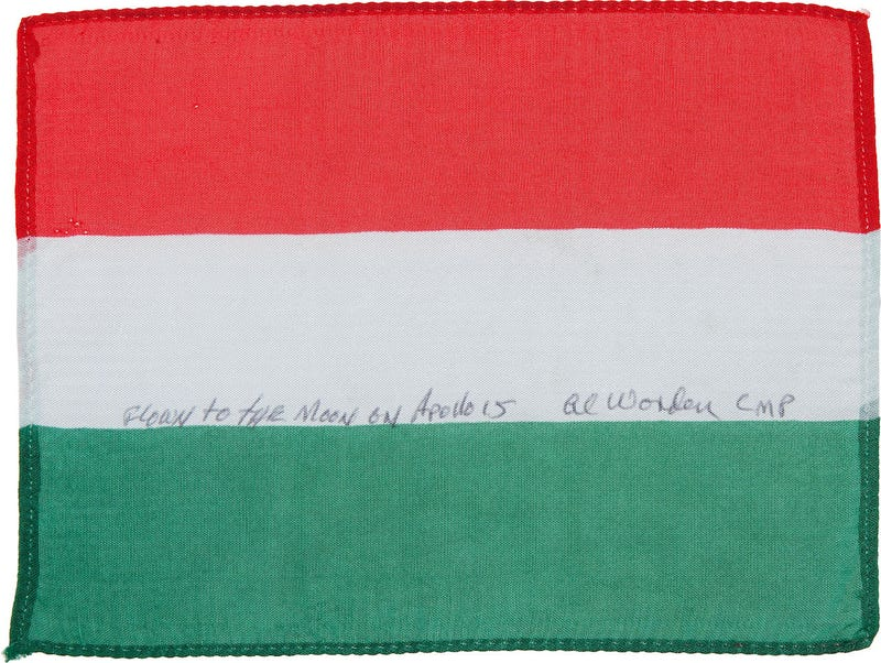 És azt tudtátok, hogy magyar zászló is keringett már a Hold körül?