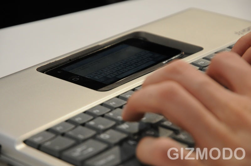 Hands On With the Ion iType iPhone Keyboard