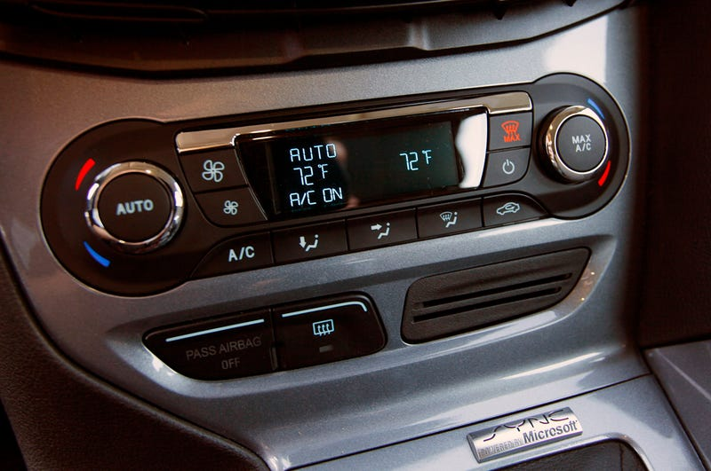 Here's Why Gesture Controls in Your Car Are a Terrible Idea