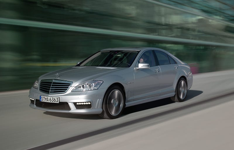 2010 Mercedes S63, S65 AMG: Super S-Class Gets More Power!