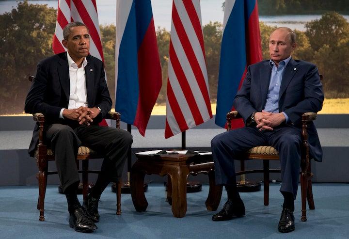 Obama, Putin Butt Heads Over Russia's Threats to Invade Ukraine