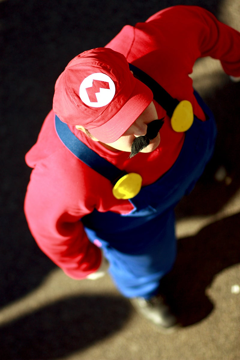 Super Mario vs Metal Gear vs Tron