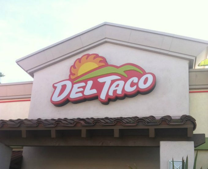 Lawsuit Claims Del Taco Banned Managers From Getting Pregnant