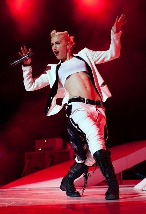 Gwen Feels Hella Good, Keeps On Dancing
