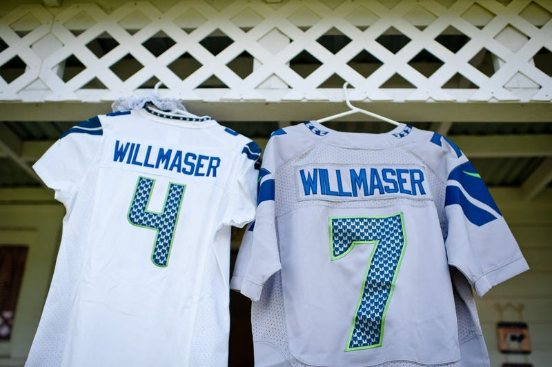 This Is What A Seahawks-Themed Wedding Looks Like