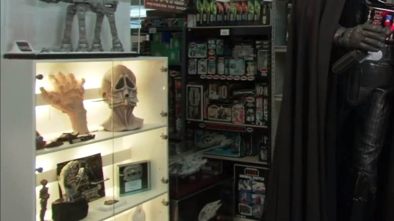 World's Largest Star Wars Collection Includes a Working Cantina