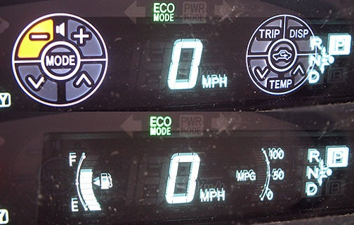 2010 Toyota Prius Features Clever 'Touch Tracer' Display