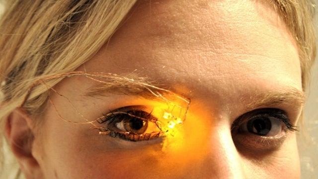 Digital Eyeshadow Eliminates The Need For Those Pesky Brushes
